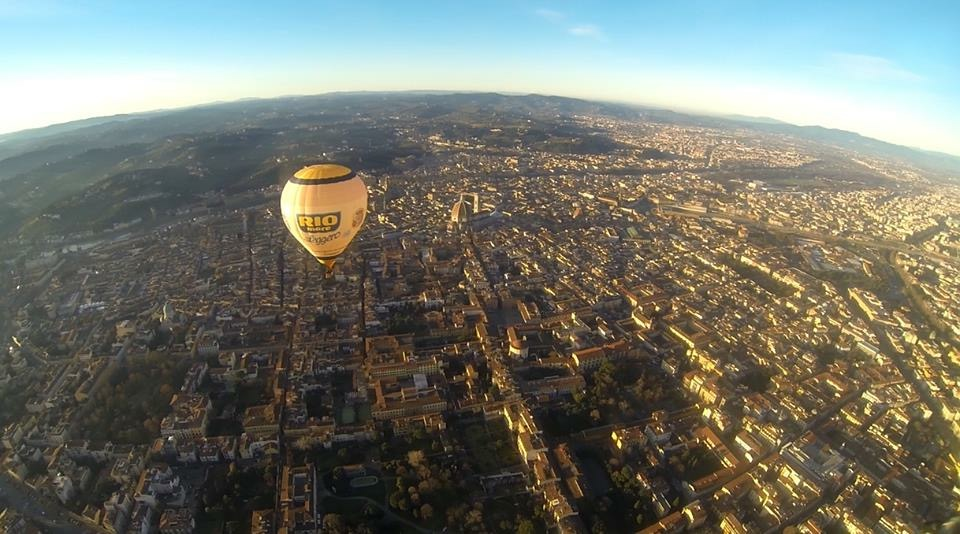 Ballooning in Florence, View of the city,