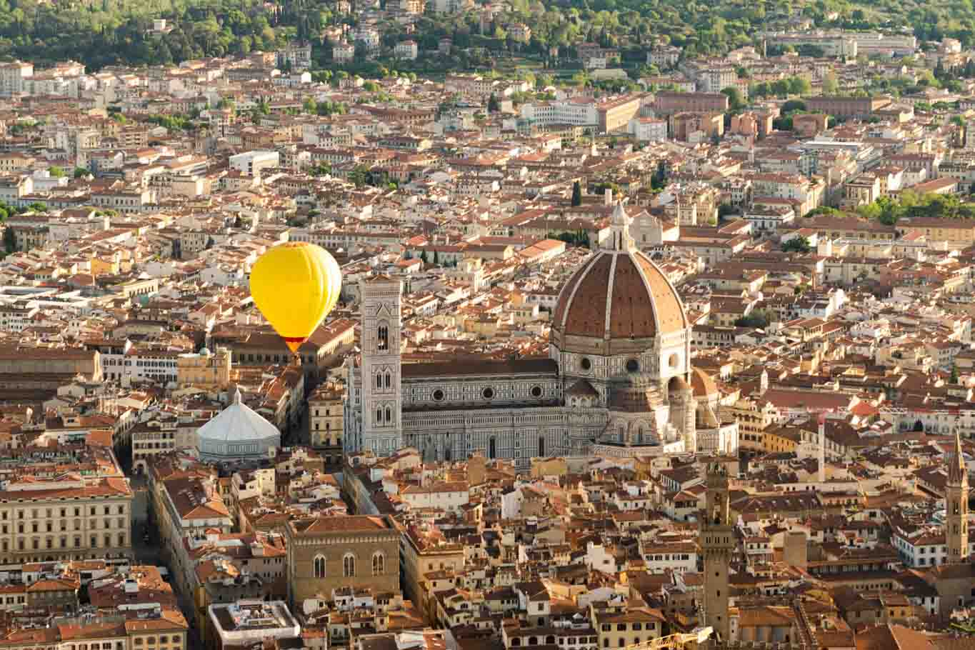 Ballooning in Florence over the city