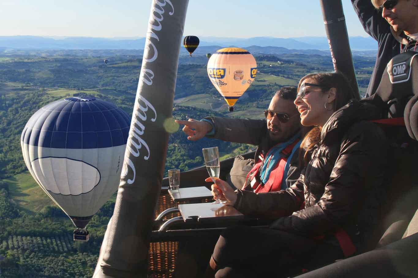 Vista super basket for luxury Ballooning in tuscany