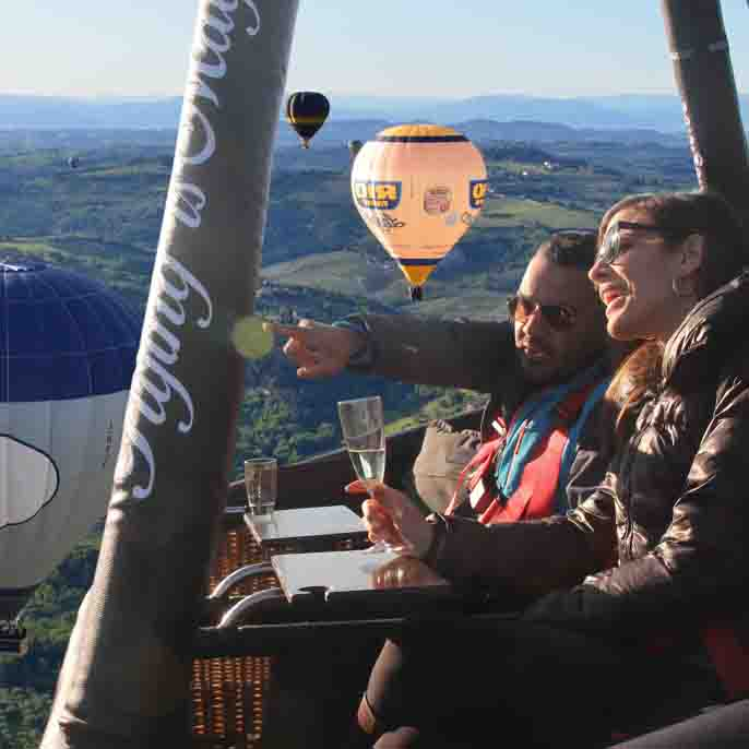 Ballooning Tuscany over chianti valley